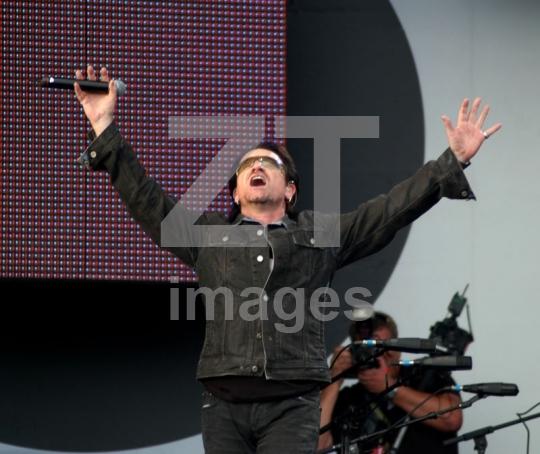 Bono U2 at Live8
