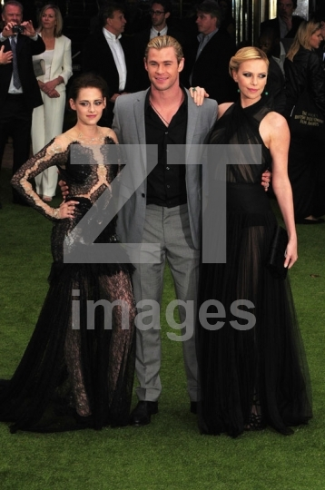 Kristen Stewart, Charlize Theron, Chris Hemsworth